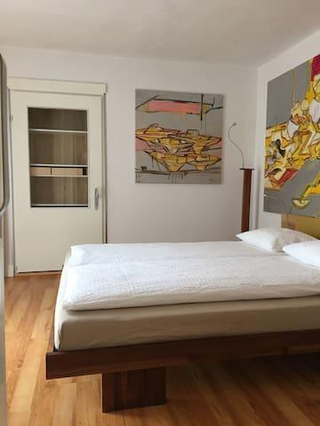 Schlafzimmer, Bett 160x200cm   bedroom, bed 160x200cm