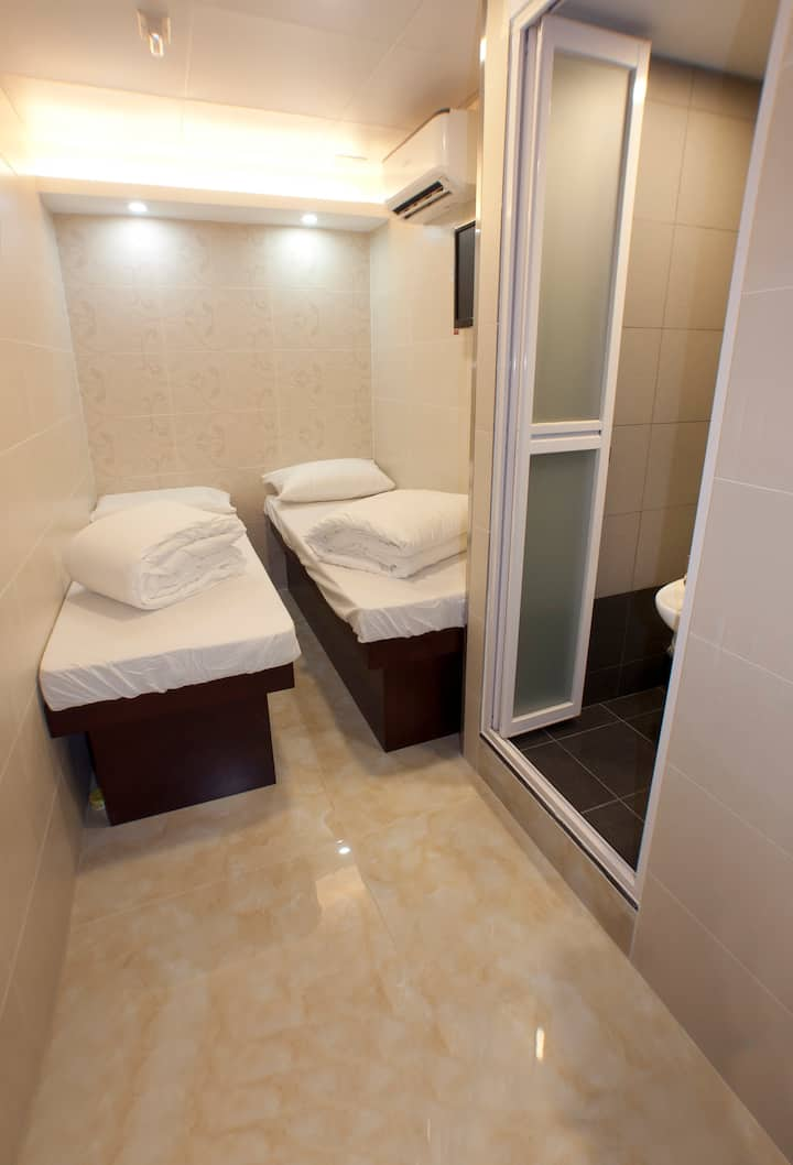 Budget Twin Room@City Centre (Min. Stay: 3 Nights)