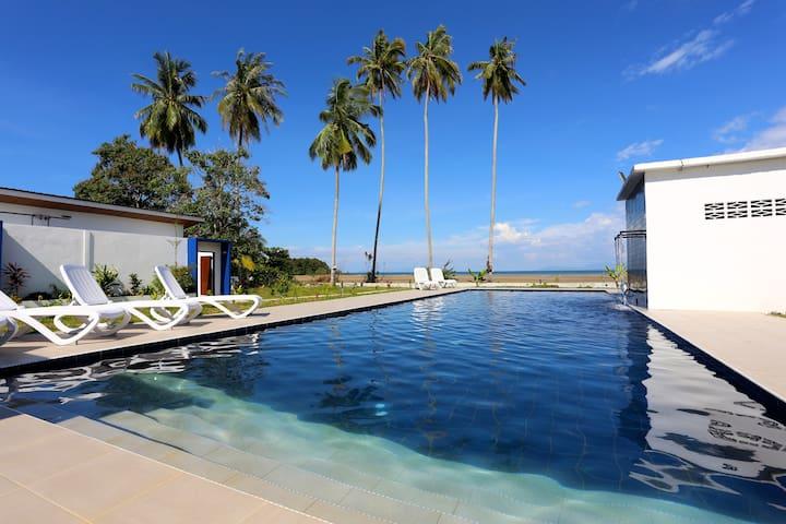 Lundu Basaga Holiday Resort, Siar Beach 4