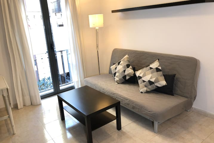 NEW! Spacious apartment for 4 in the center! 3rd