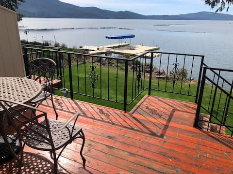 Perfect Almanor Lakefront Big Cove  Condo
