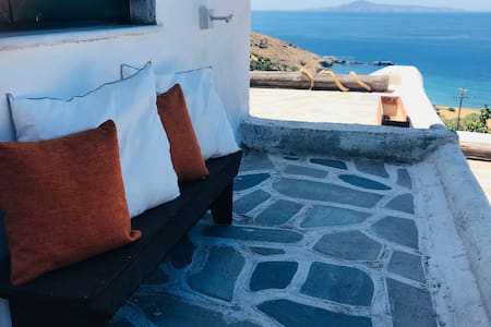 """MY PARADISE""-Traditional House in Andros-Sea View"