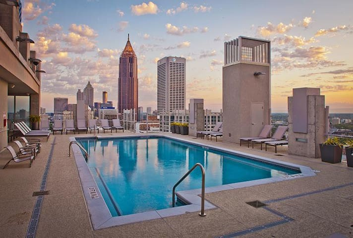 Spectacular Views Midtown, Walkable to Everything - Atlanta - Lejlighed