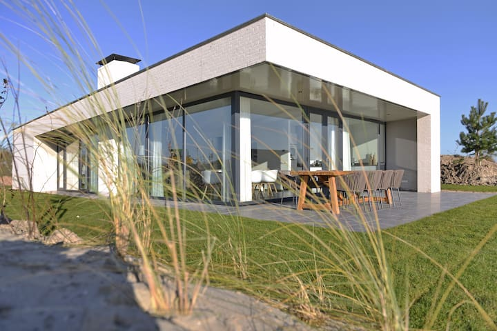 Luxurious villa at the North Sea beach