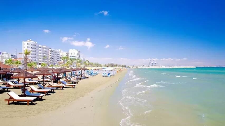 Beautiful, sea view apartment in center of Larnaca