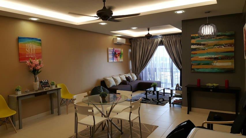 Exclusive Homestay in Setia Alam - Shah Alam  - Leilighet