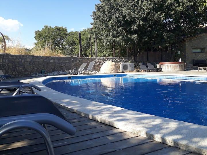 """""""Misterio"""":encanto, naturaleza, piscina en verano!"""