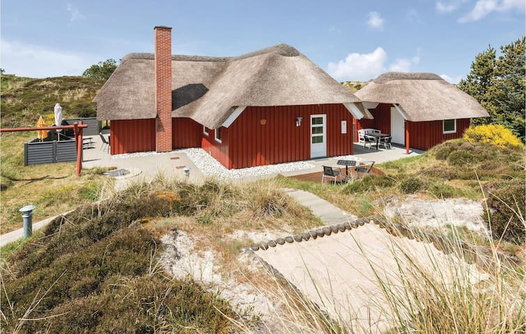 Holiday cottage with 3 bedrooms on 106m² in Henne
