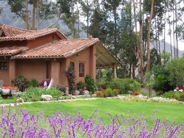 VILLA RUNA, STRATEGICALLY LOCATED - Urubamba - Villa