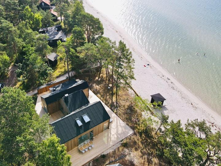 Villa med strandtomt och havsutsikt - Åhus, Äspet