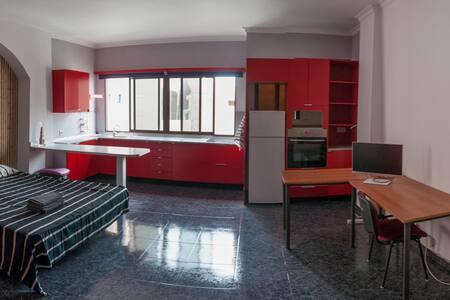 Double room with kitchen en suite and common patio - Las Palmas de Gran Canaria