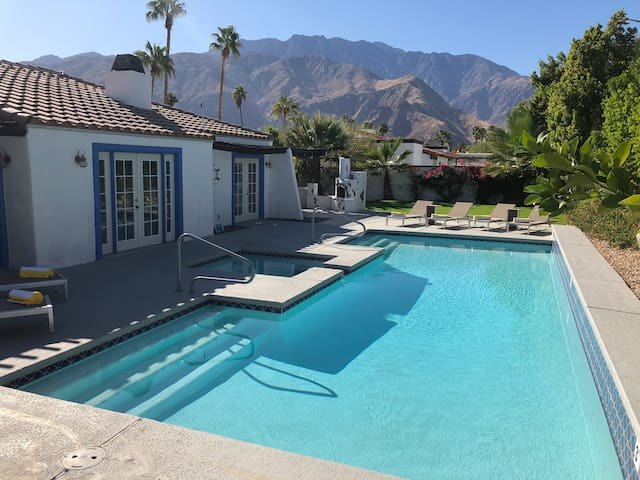 Palm Springs Classic with a Mediterranean vibe