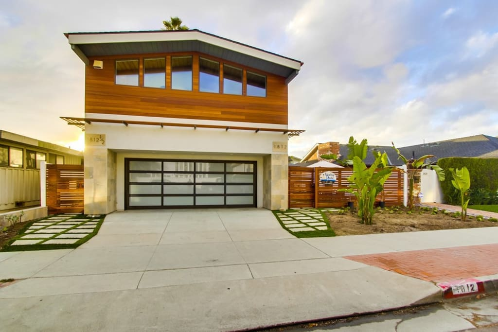 Enjoy the Del Mar lifestyle!  You have the entire bottom floor.