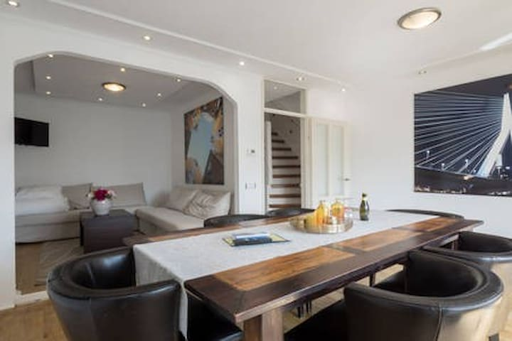 """Design apartment in """"The Brooklyn of Rotterdam"""""""