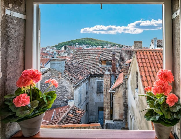 Magical view authentic 4* Apt in the Old town :)