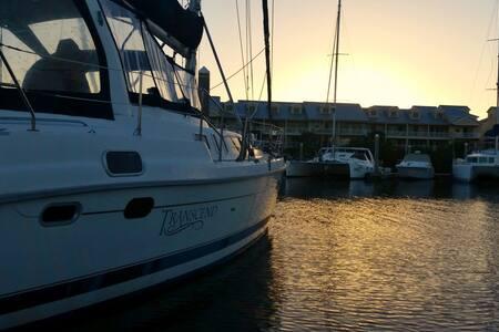 S/V Transcend - A Live Aboard Adventure - Ruskin - Boot