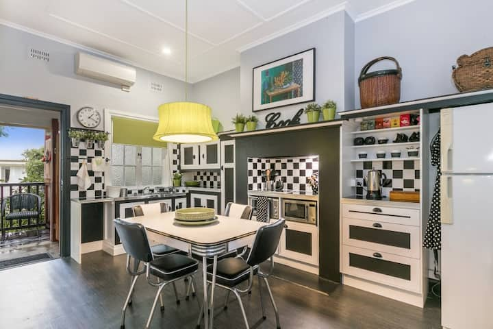 'Olley Apartments' 2 Bed Executive