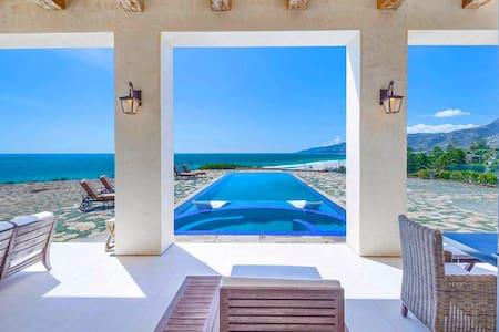 Malibu Luxury Villa with Infinity Pool - Lakás