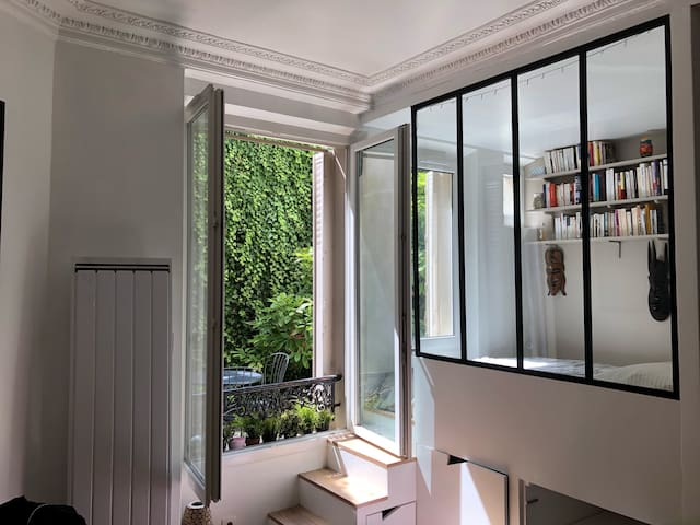Charming studio flat at Père Lachaise