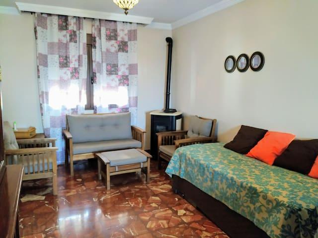 Casa para grupos-Piscina, Chimenea, a 15 minutos