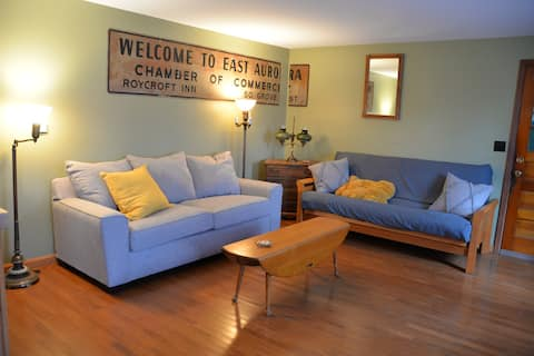 Quiet Renovated Apt Just Outside of East Aurora