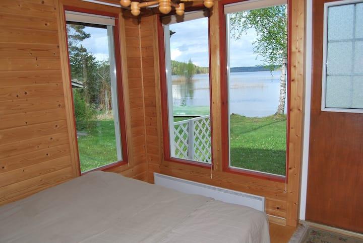 Kerttula - cozy lakeshore cottage, 1 km to grocery