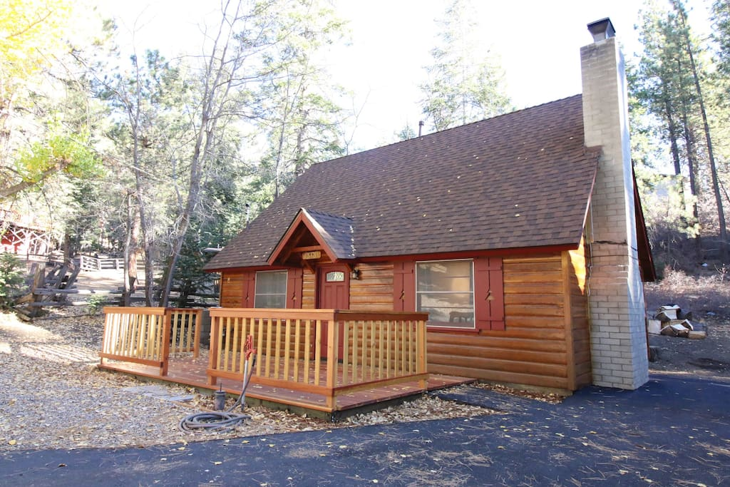 3 Bedroom Bear Beauty! Located 5 minutes away from all popular spots in Big Bear Lake.