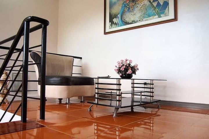 Bed in a Townhouse LUCENA QUEZON