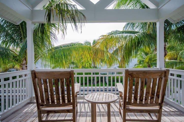 Coral Lagoon Resort #16 w/ Dock - Marathon - Villa