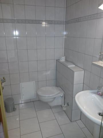 Gästehaus Röder (Weimar-Tröbsdorf) - LOH07569 Neu, Doppelzimmer mit DU/WC (Aufbettung möglich)