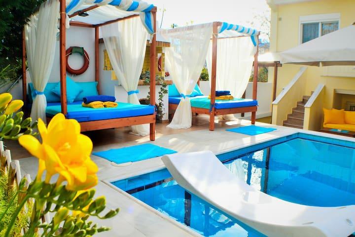 Corinthian Riviera, Pool, City spa,  Casino.