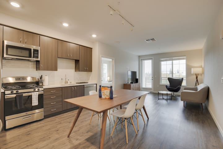 Charming 2BR Apartment in Campbell