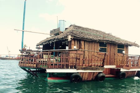 Floating Private Bungalow - Zanzibar city