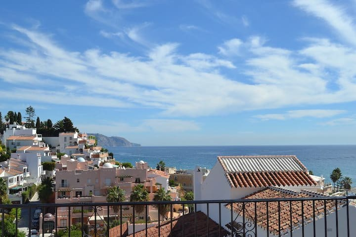 No.1 Litoral Burriana Beach, Nerja 3 bed high spec - Nerja - Villa