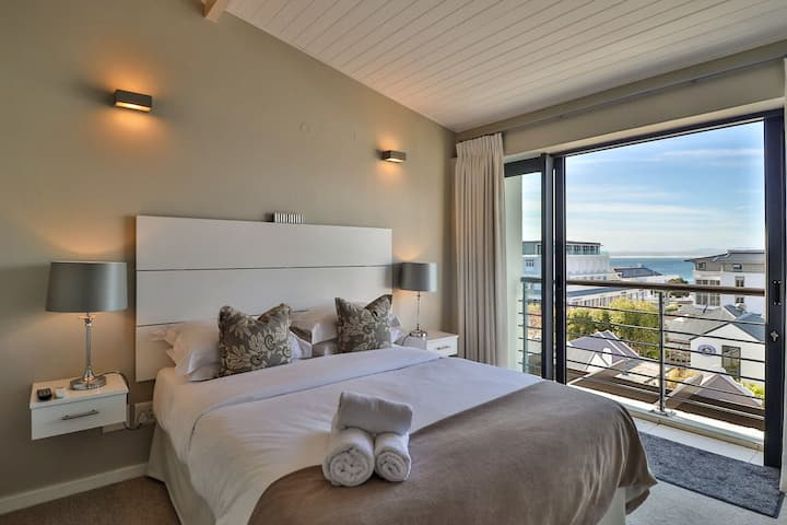 Lux Three Bedroom Apartment - Whale Coast Hotel