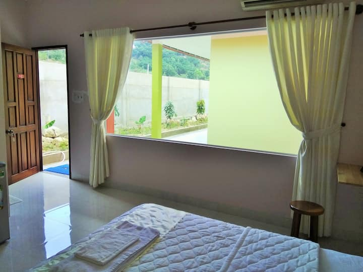 10% off - Private Bedroom with Mountain View