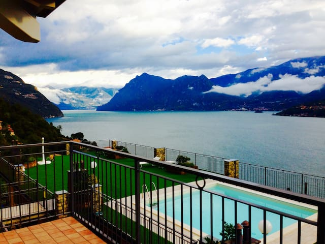 """Lago Iseo: Residenza """"Balcone sul lago"""""""