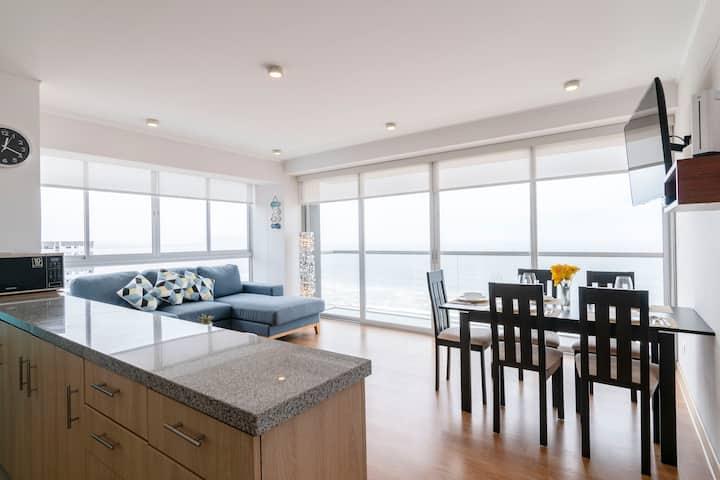 Beachfront corner apartment with 180° Sea View!