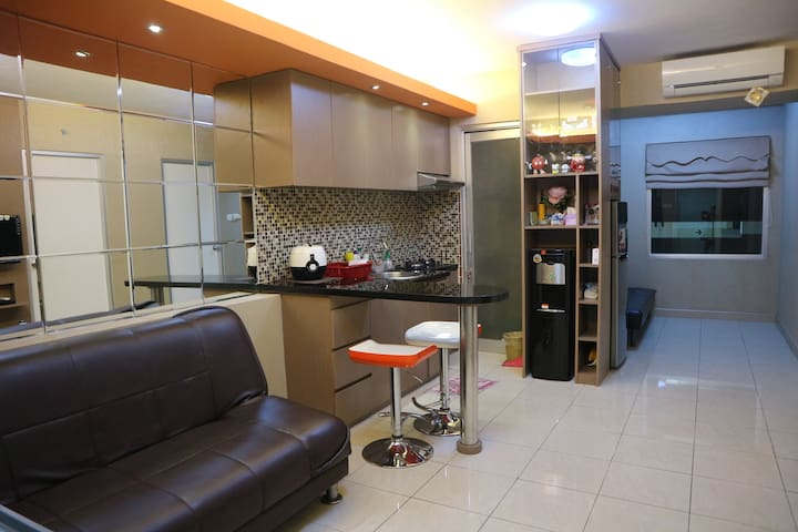 GREENBAY PLUIT,clean 3 Bedroom, WIFI ,near airport