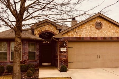 A great home away from home in N Fort Worth/Keller