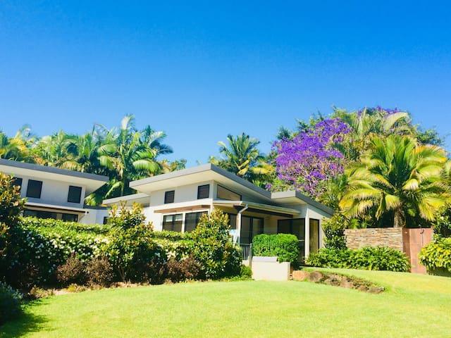 The Palms at Byron Bay .