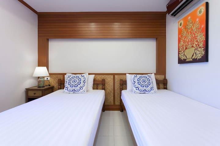Little Home 依偎在护城河边的泰式小院 双床房间C4 2晚以上6点到晚上12点机场免费接送