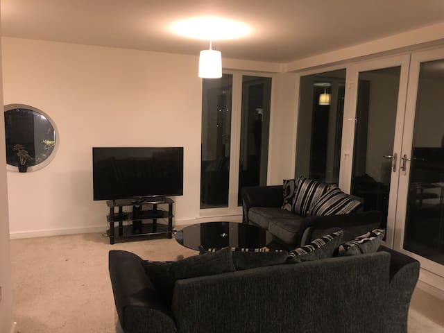 NEWCASTLE Apartment 2 double bedrooms FREE PARKING