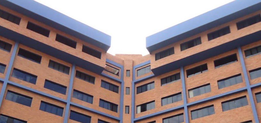 acogedor apartamento en la mejor zona de lecheria - Lechería - Appartement