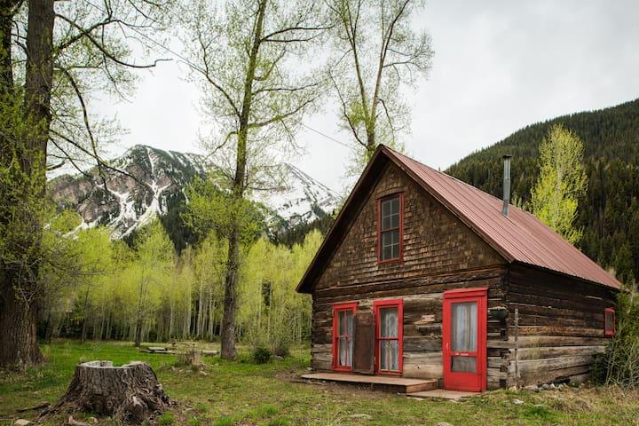 Rosetta Cabin @Crystal mountain Ranch