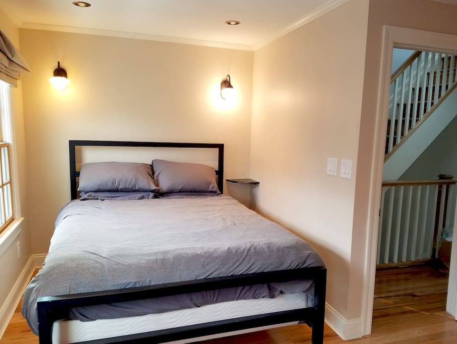 Sunny 2 bedroom williamsburg duplex w 3 beds apartments for rent in brooklyn new york 5 bedroom apartment brooklyn