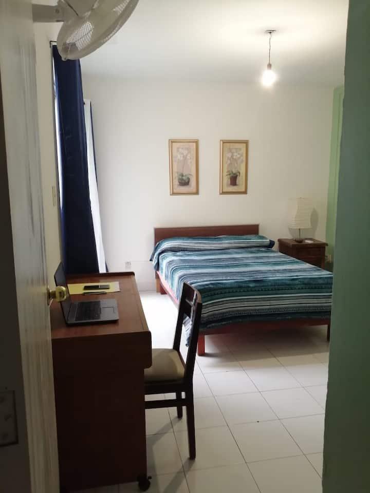 Habitación confortable, terminal ADO Jalatlaco