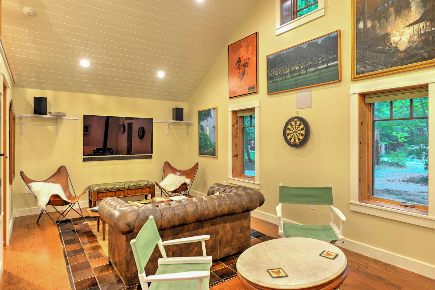 This is the perfect home base for up to 4 lucky guests visiting Laughlintown!