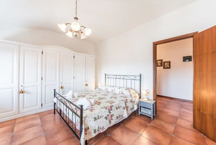 VENICE TO GO PRIVATE ROOM SHARED BATHROOM