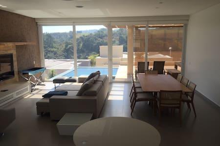 Casa em condomínio fechado completa - Santana de Parnaíba - Rumah